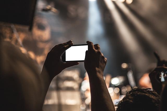 nahrávání mobilem